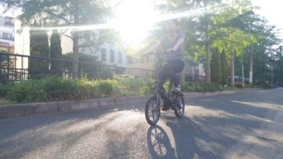 メディアクロスに電動自転車がやってきました